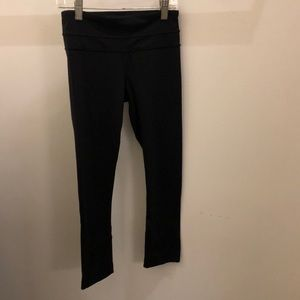 Lululemon black crop legging, sz 2, 71321